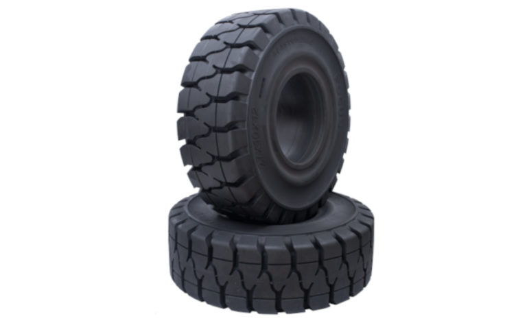 landscape-standard-880x540-Focus-tires-stacked